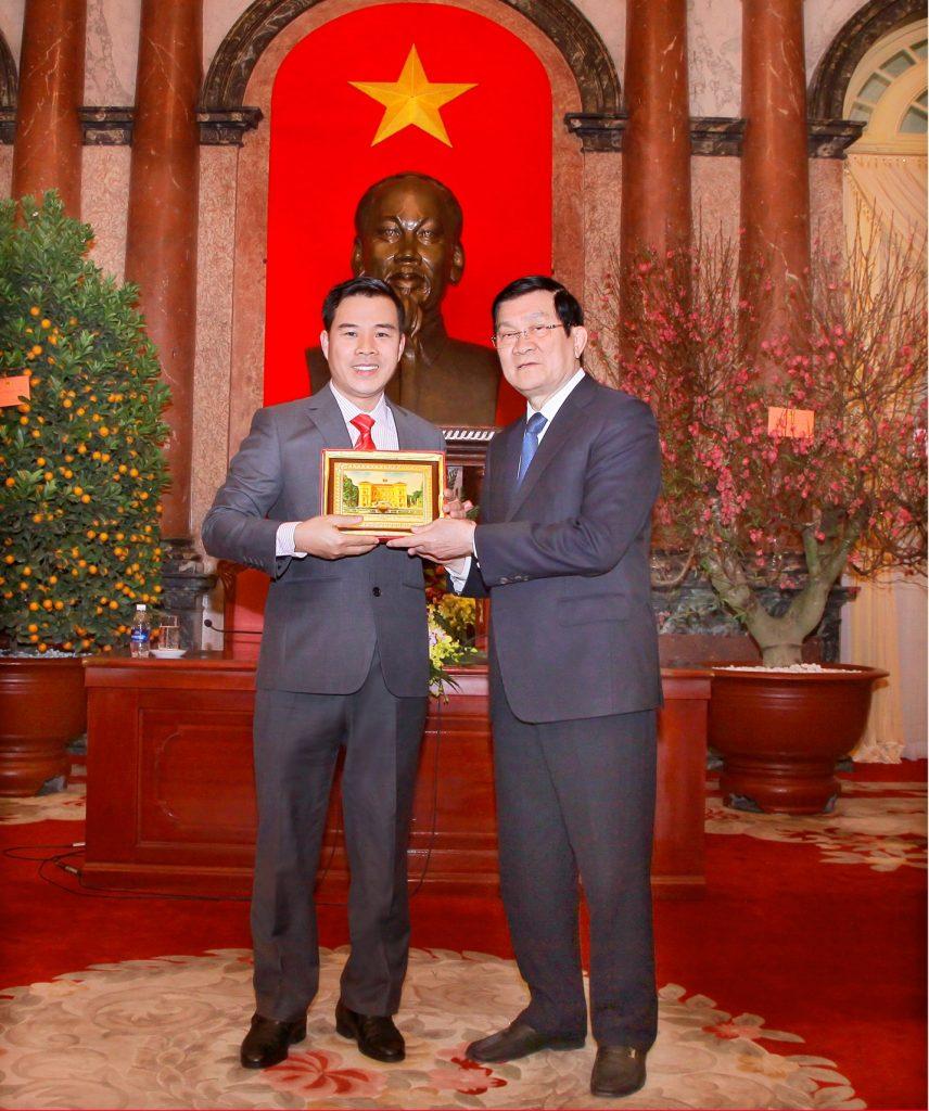 Nhà sáng chế Nguyễn Hải Châu vinh dự 2 lần được nhận kỉ niệm chương tại Phủ Chủ Tịch