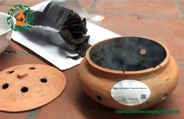 Cách phòng chống dịch cúm gia cầm bằng khói bồ kết